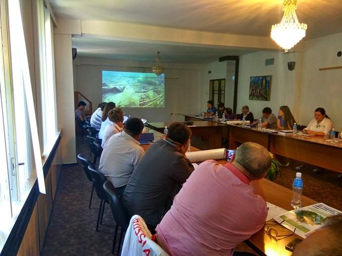 kruglyj-stol-na-temu-ohrana-okruzhayushhej-sredy-zalog-ustojchivogo-razvitiya-turisticheskogo-biznesa-v-issyk-kulskom-regione